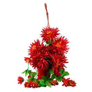 Ghiveci suspendat cu flori artificiale rosii